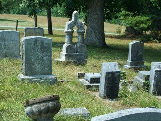Les astuces à connaître pour acheter une pierre tombale?